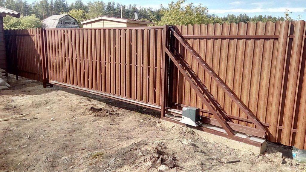 Изображение пример №4 работ откатных ворот из евро-штакетника компании «Ворота Юг Монтаж»