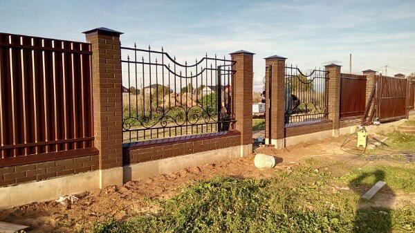 Изготовление и установка откатных ворот Компания «Ворота Юг Монтаж» по всему Краснодарскому краю и Республике Крым. Пример №2