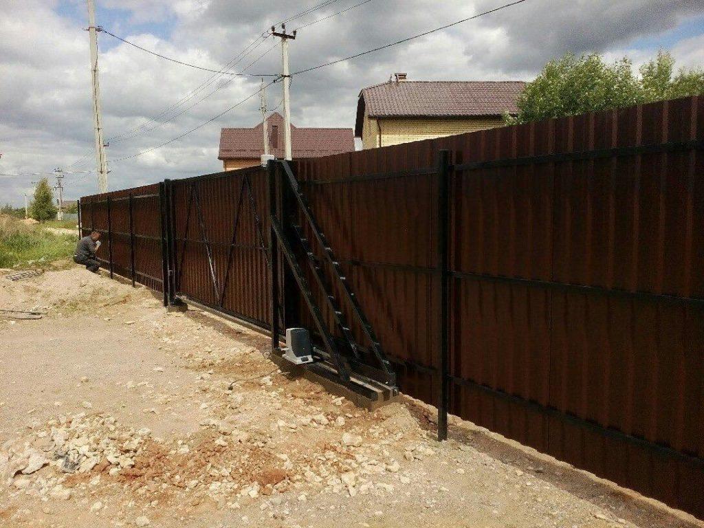 Изображение пример №2 работ откатных ворот компании «Ворота Юг Монтаж» .