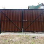 Изображение пример №16 работ распашных ворот из профлиста компании «Ворота Юг Монтаж»