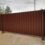 Изображение пример №13 работ откатных ворот из евро-штакетника компании «Ворота Юг Монтаж»