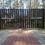 Изображение пример №9 работ автоматических откатных ворот с калиткой из евро-штакетника компании «Ворота Юг Монтаж»